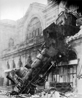 500px-Train_wreck_at_Montparnasse_1895